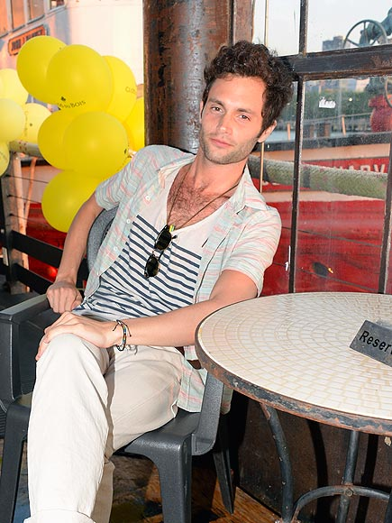 LOUNGE ACT photo | Penn Badgley
