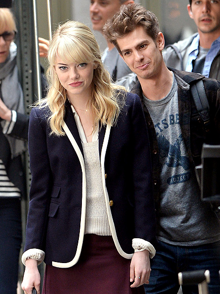 LONGING LOOK photo | Andrew Garfield, Emma Stone