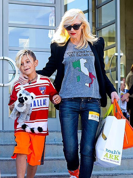 BAG IN ACTION photo | Gwen Stefani