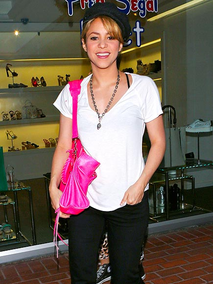 In the Pink photo | Shakira