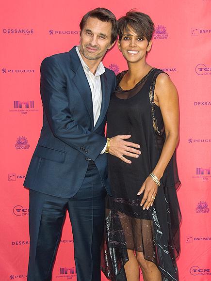 PREGNANT PAUSE photo | Halle Berry, Olivier Martinez