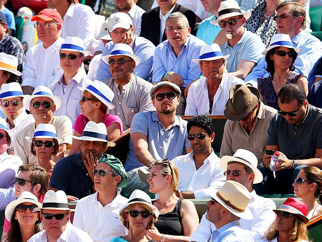 CROWD COUNTROL photo   Leonardo DiCaprio