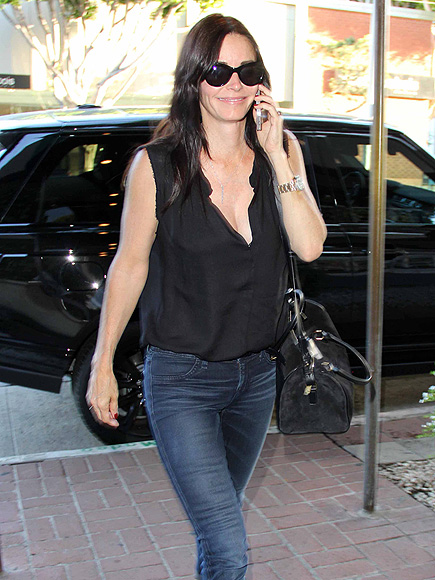 MEAL TIME photo | Courteney Cox