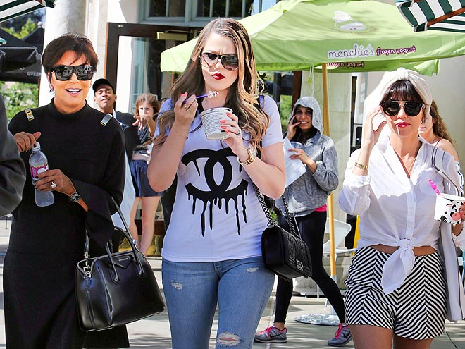 FAMILY TIES photo | Khloe Kardashian, Kourtney Kardashian, Kris Jenner