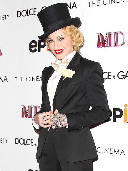 TAKE A 'BOW' photo | Madonna