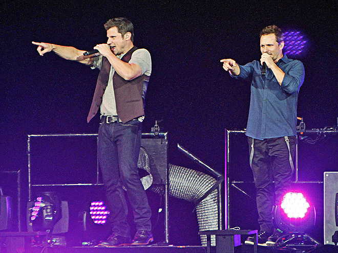 SINGALONG photo | Drew Lachey, Nick Lachey