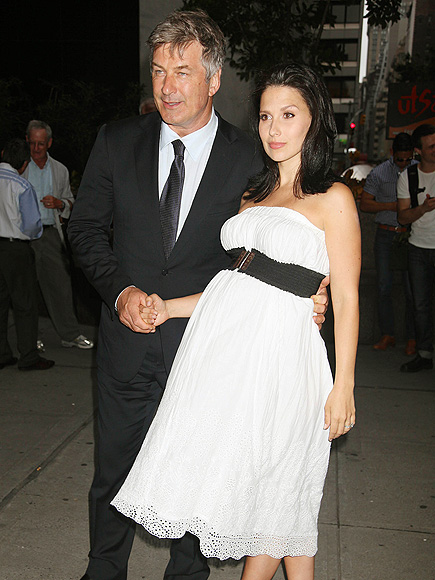'UNAVOIDABLE' ATTRACTION photo | Alec Baldwin, Hilaria Thomas
