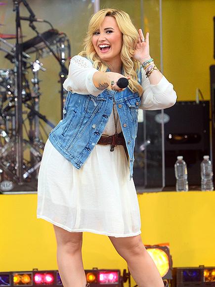SING-ALONG photo | Demi Lovato