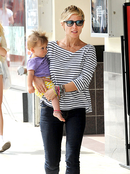 ATTACHED AT THE HIP photo | Elsa Pataky