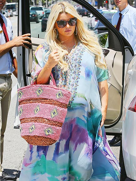 POP OF COLOR photo | Jessica Simpson
