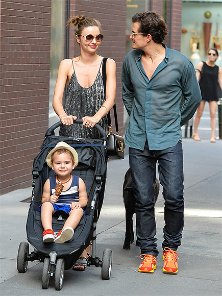 STROLL WITH IT photo | Miranda Kerr, Orlando Bloom
