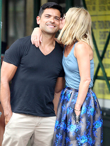 BUSS-TED! photo | Kelly Ripa, Mark Consuelos