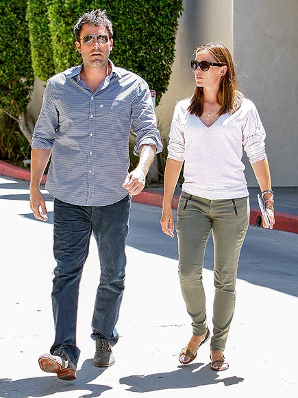 MOVING RIGHT ALONG photo | Ben Affleck, Jennifer Garner