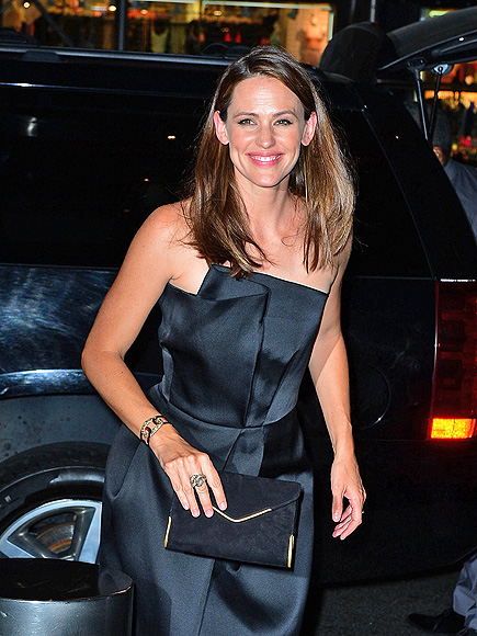 STEPPING OUT photo | Jennifer Garner