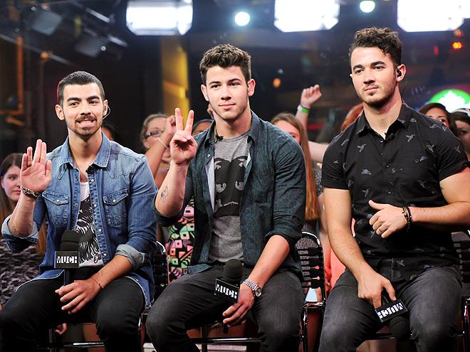 THE JONAS BROTHERS photo | Joe Jonas, Jonas Brothers, Kevin Jonas, Nick Jonas