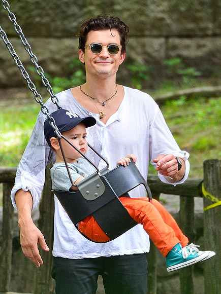 SWINGING IT photo | Orlando Bloom