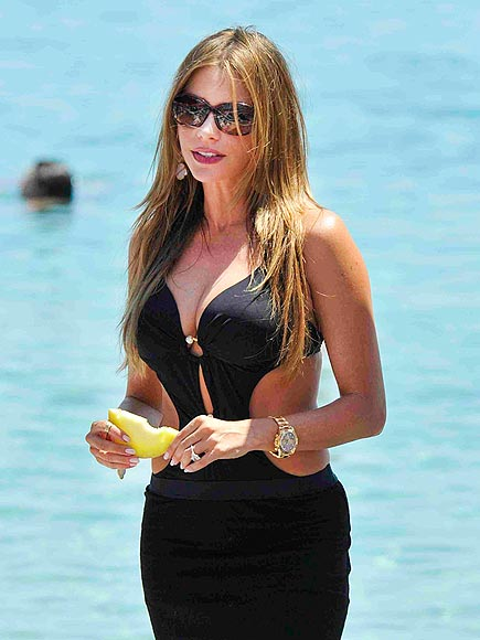 GOING GREEK photo | Sofia Vergara