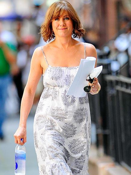 YES SIREE, BOB!  photo | Jennifer Aniston