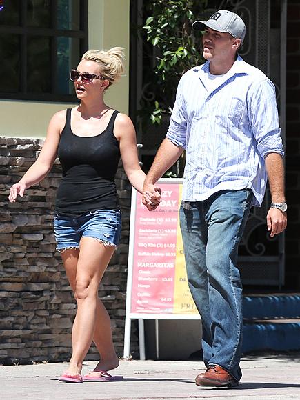 HANDY DANDY photo | Britney Spears