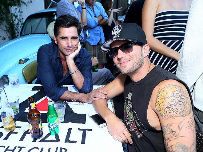 TABLE FOR TWO photo | John Stamos, Ryan Phillippe
