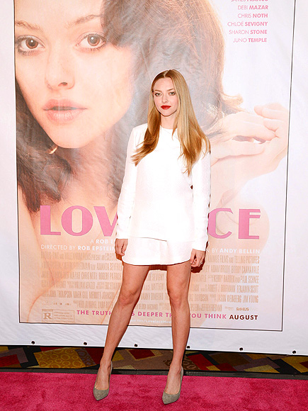 TWO FACED photo | Amanda Seyfried