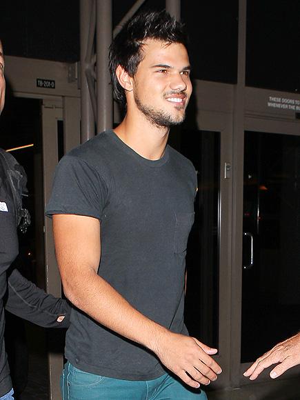 SHIRT STORY photo | Taylor Lautner