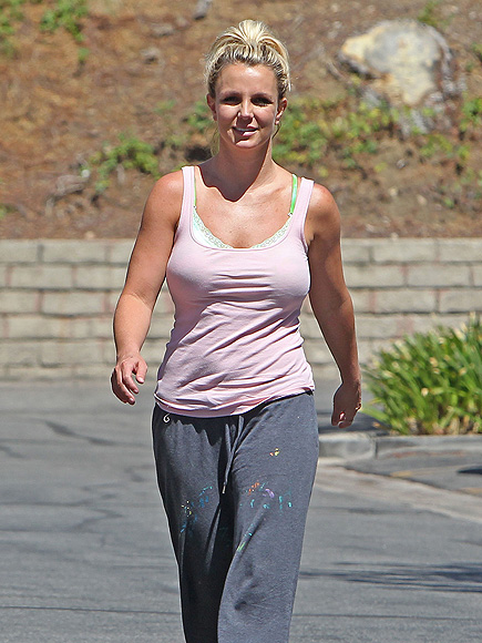 STEPPING OUT photo | Britney Spears