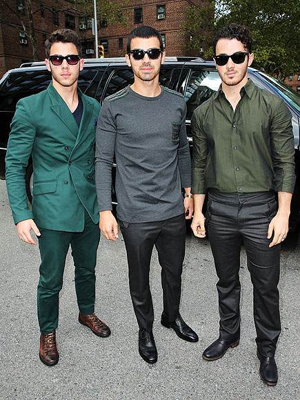 TRIPLE THREAT photo | Jonas Brothers