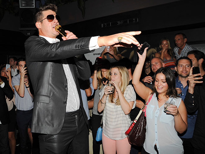 CROWD SOURCING photo | Robin Thicke