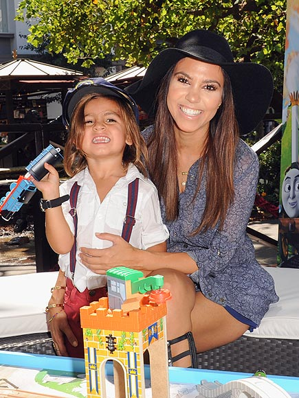SMILES FOR MILES photo | Kourtney Kardashian