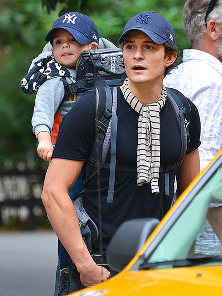 Орландо Блум с сыном: красавцы и болельщики