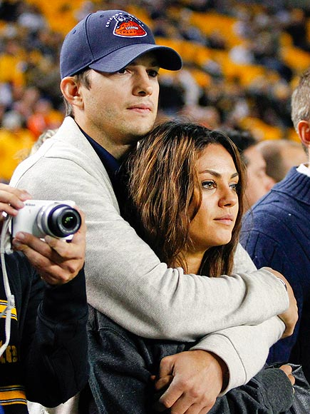 MILA KUNIS & ASHTON KUTCHER photo | Ashton Kutcher, Mila Kunis