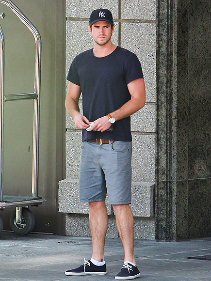 SOLO ACT photo | Liam Hemsworth
