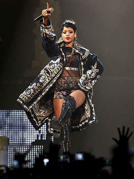 BOW DOWN (UNDER) photo | Rihanna