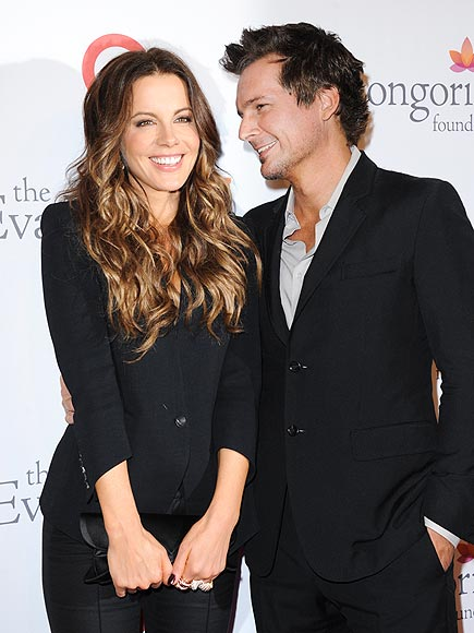 HERE'S LOOKING AT YOU photo | Kate Beckinsale, Len Wiseman