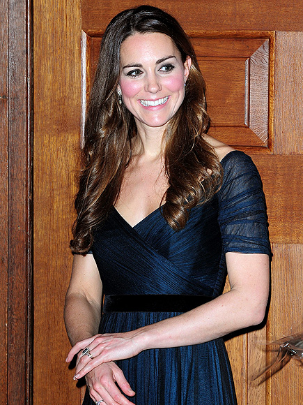 REGAL RETURN  photo | Kate Middleton