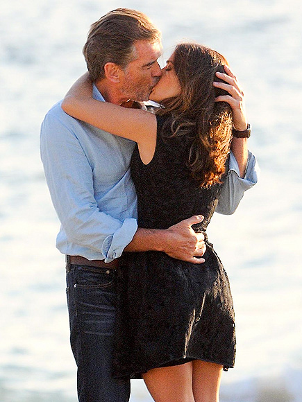 LOVE STORY photo | Pierce Brosnan, Salma Hayek
