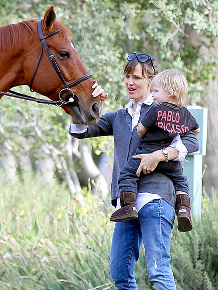 YAY OR NEIGH? photo | Jennifer Garner