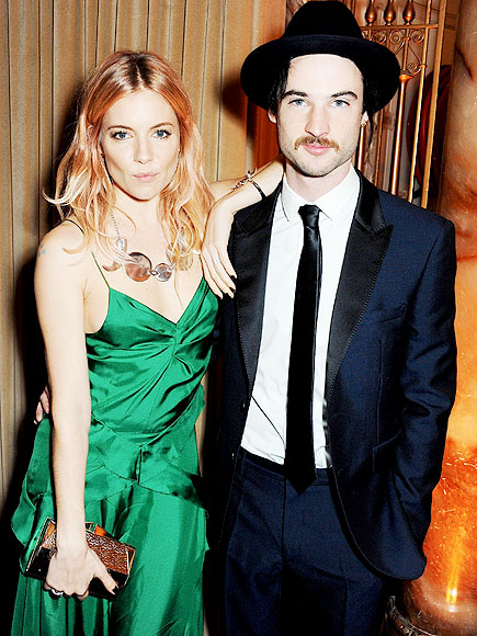 DAPPER DUO photo | Factory Girl, Sienna Miller