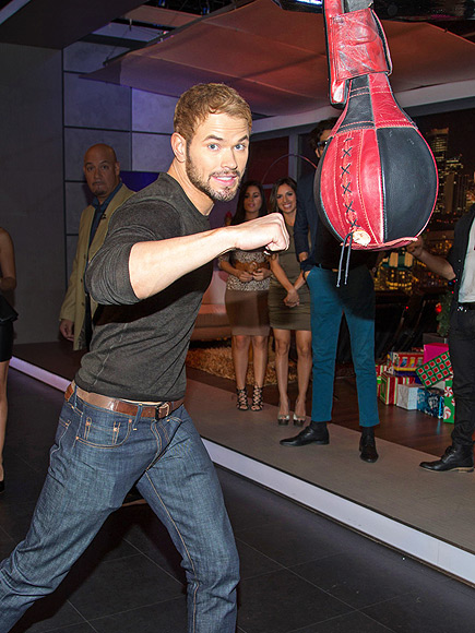 HE'S A HIT! photo | Kellan Lutz