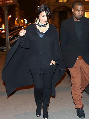 kim kardashian 300x400 Kim Kardashian Keeps Her Promise and Finally Wears a Cape