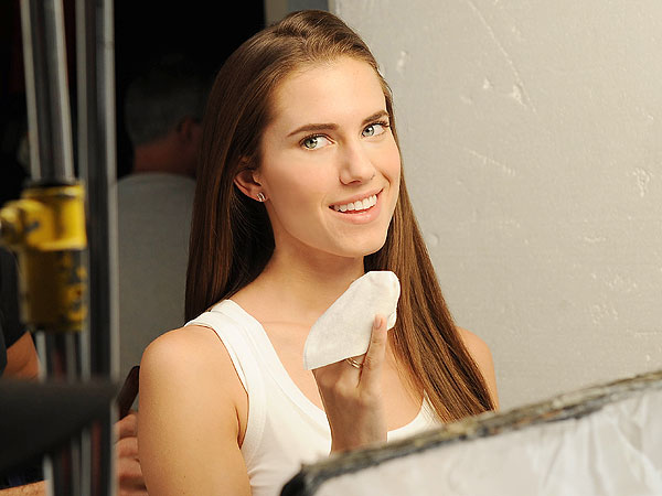 Allison Williams Simple Skincare