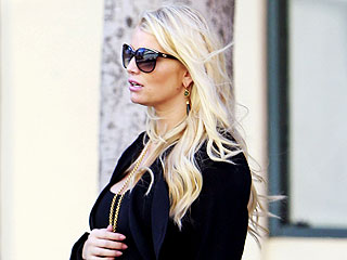 Jessica Simpson Shows Off Trim Maternity Figure – and Growing Baby Bump! | Jessica Simpson