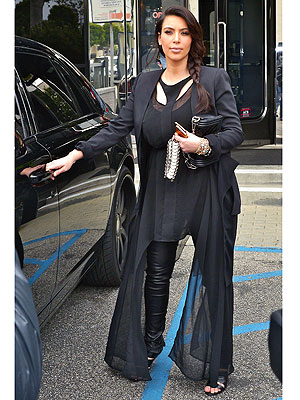 kim kardashian 2 300x400 Tabatha's Takeover: Kim Kardashian's Maternity Look Could Be Worse … I Guess!
