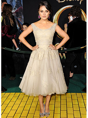 mila kunis 300x400 This Week's Best Dressed Star: Mila Kunis