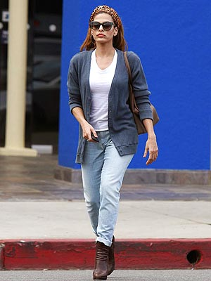 Eva Mendes jeans headband