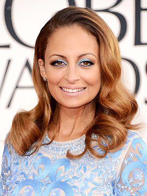 nicole richie 300x400 Nicole Richie Doesn't Dress the Men in Her Life