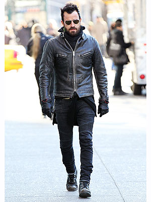 justin theroux 300x400 Justin Therouxs Style Mantra: Its Always Winter From the Waist Down