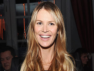 See Elle Macpherson's Enormous Engagement Ring