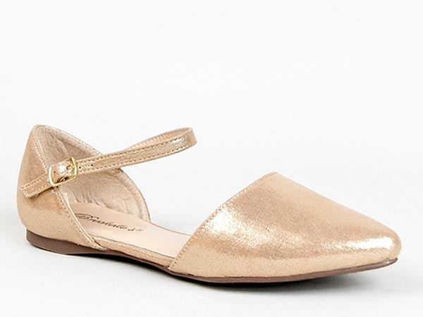 Breckelle's gold shoes